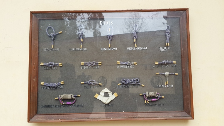 Different kinds of knots displayed at the mountaineering institute